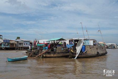 Villaggi galleggianti lungo il delta del Mekong