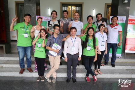 Foto di gruppo ad Ho Chi Minh