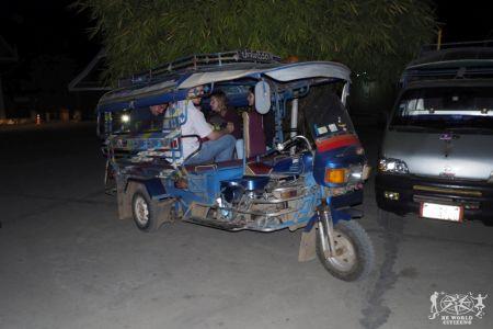 Laos: Il tuc tuc che ci ha portato dalla stazione dei bus al centro città